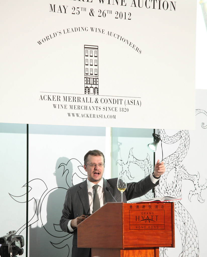 CEO John Kapon hosting AMC HK May Sale_2012 M.jpg
