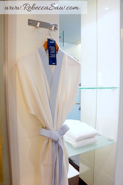Aloft Bangkok – Sukhumvit 11- room review-005