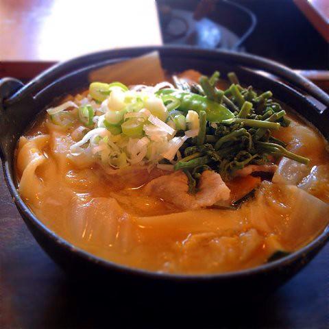 豚肉ほうとう at #甲州ほうとう_小作_石和駅前通り店 http://t.co/g97u9BTI
