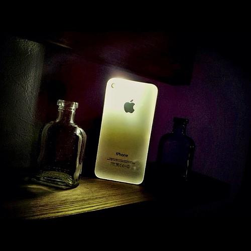 iphone背面ガラスの光の透け具合…。 たまらなく好き…。 #igersjp_#_48