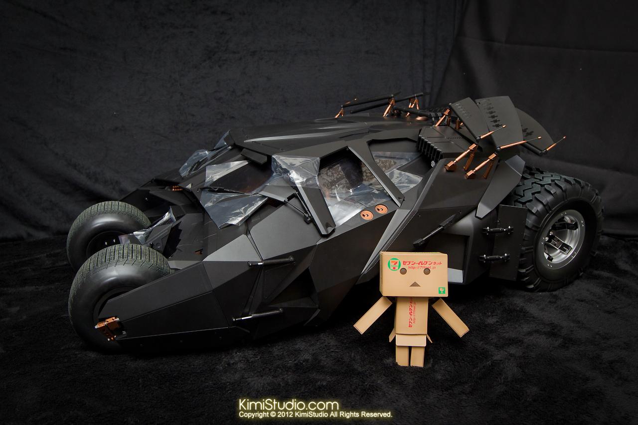 2012.09.22 MMS69 Hot Toys Batmobile-011