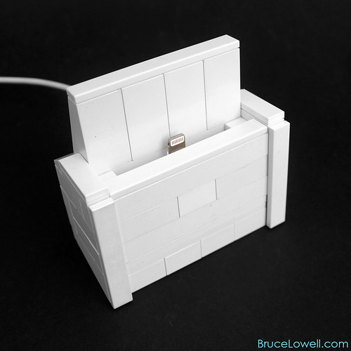 LEGO iPhone 5 Charging Dock
