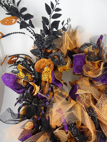 Halloween Rag Wreath Sept 2012 (18)