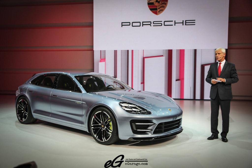 8030380220 463ddf4e09 b 2012 Paris Motor Show