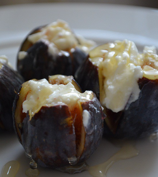 stuff figs with yogurt cheese