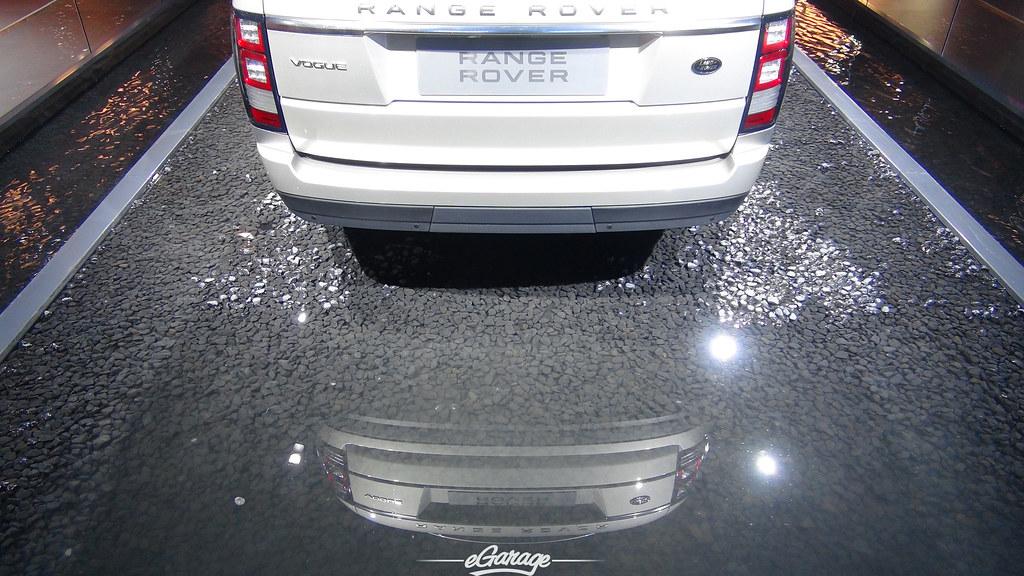 8034743208 9baef260fe b eGarage Paris Motor Show Range Rover