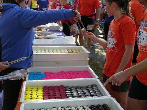 2012 Big Gay Race cupcake treat