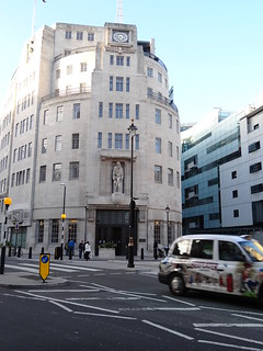 083 - Art Deco BBC Broadcasting House With Cab