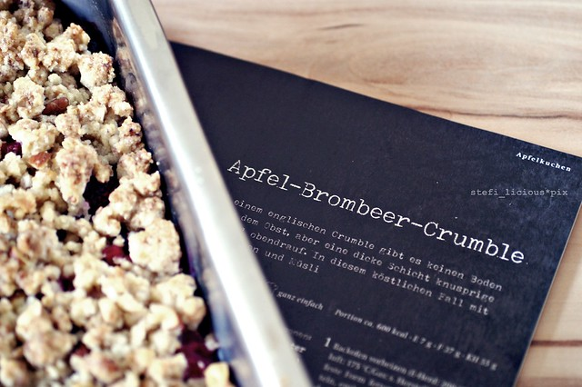 apfel-brombeer-crumble1