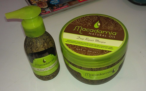 Macademia Nautral Oil Healing Oil and Hair Treatment Mask