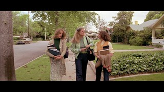 HALLOWEEN MOVIE TRIVIA:  Were the key actresses in the original HALLOWEEN really teen-agers?