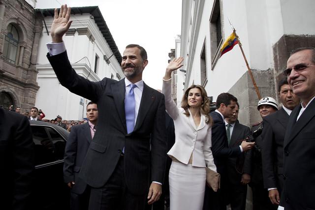 Juan Carlos ha abdicato, il successore e' il figlio minore con il nome di Felipe VI