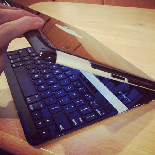 iPadがウルトラブックっぽく