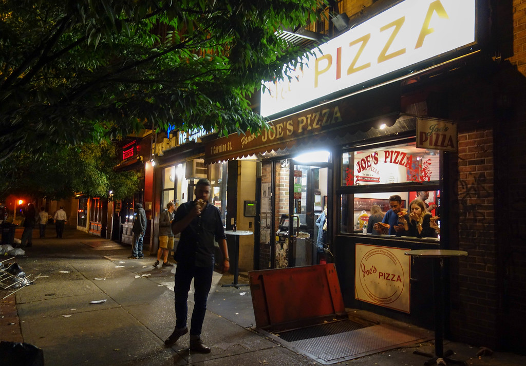 Joe's Pizza - Scott Beale / Laughing Squid