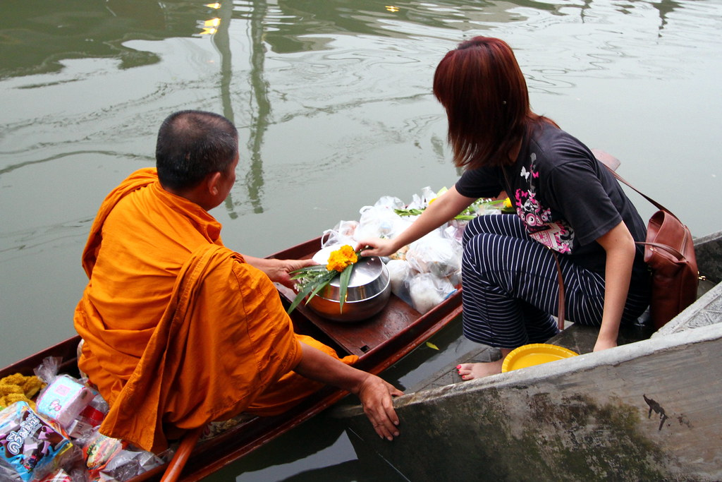 Amphawa Floating Market: Buddhist Monks seeking alms