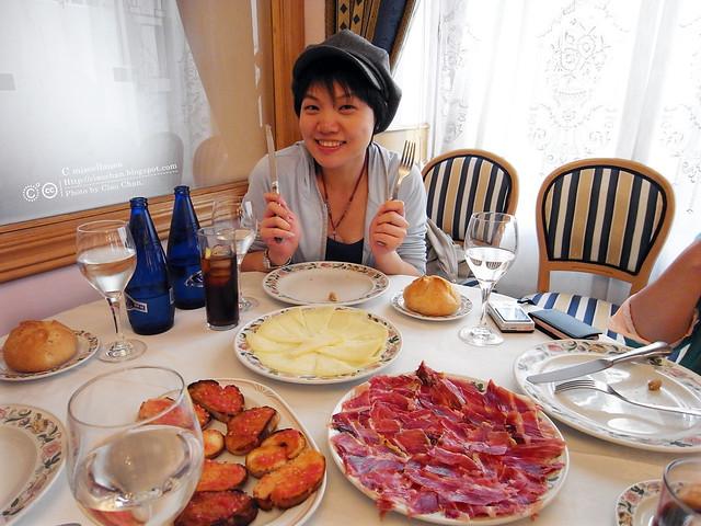 Hola Madrid~ 馬德里。La Panera 餐廳,花  €114  吃大餐!!!!!  R1043910