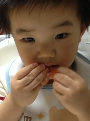 ニンジンを食べます (2012/9/23)
