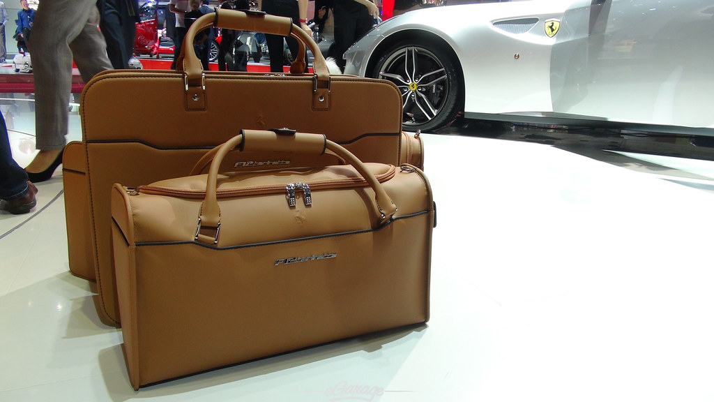 8034745713 5c8175b1ee b eGarage Paris Motor Show Ferrari F12 luggage