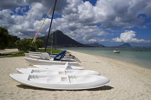 Mauritius_Beach_kayak