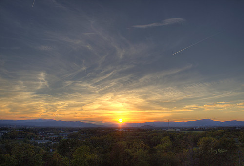 blue sunset sky mountains clouds happy sunday saturday ridge roanoke valley terry salem appalachian hdr vinton aldhizer terryaldhizercom