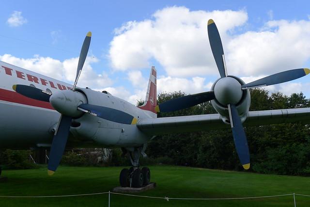 Triebwerke: Iljuschin IL-18W