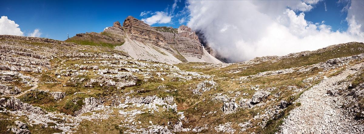 Tuenno, Trentino, Trentino-Alto Adige, Italy, 0.001 sec (1/1000), f/8.0, 2016:07:01 10:06:07+00:00, 20 mm, 10.0-20.0 mm f/4.0-5.6