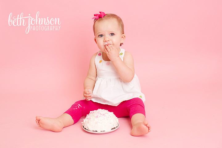 baby girl first birthday session cake smash studio tallahassee
