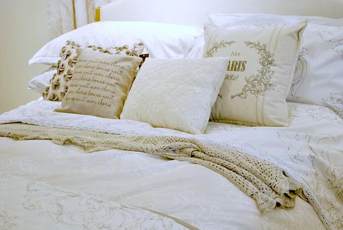 Next dressed bed
