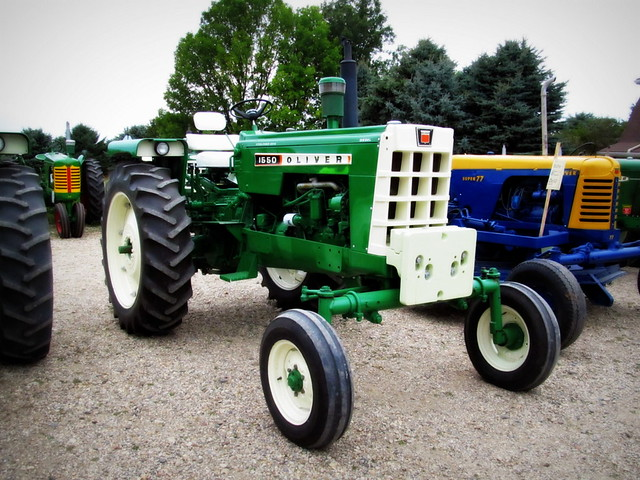 2319 Oliver 550 tractor additionally Viewit besides Oliver 1650 Diesel Tractor furthermore Ford 2000 Tractor Parts Diagram Ford Jubilee Tractor Hydraulic Diagram Tractor Parts And Wiring Diagrams besides 320991856889. on oliver 1650 tractor