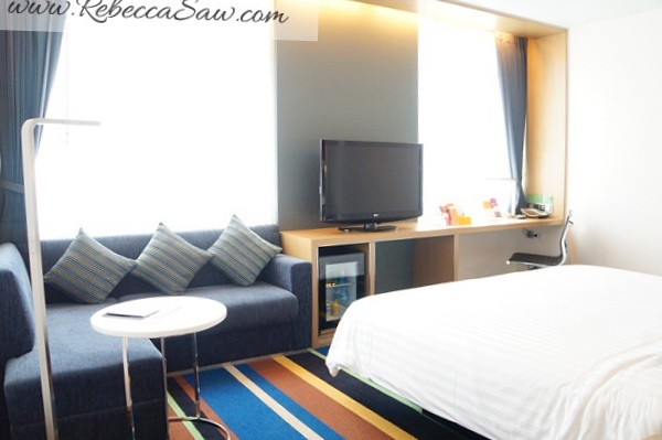 Aloft Bangkok – Sukhumvit 11- room review-006