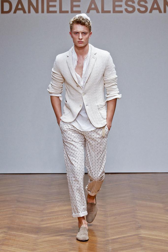 Max Rendell3074_SS13 Milan Daniele Alessandrini(fashionising.com)