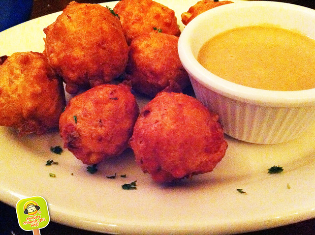 ft lauderdale - coconuts restaurant - conch fritters