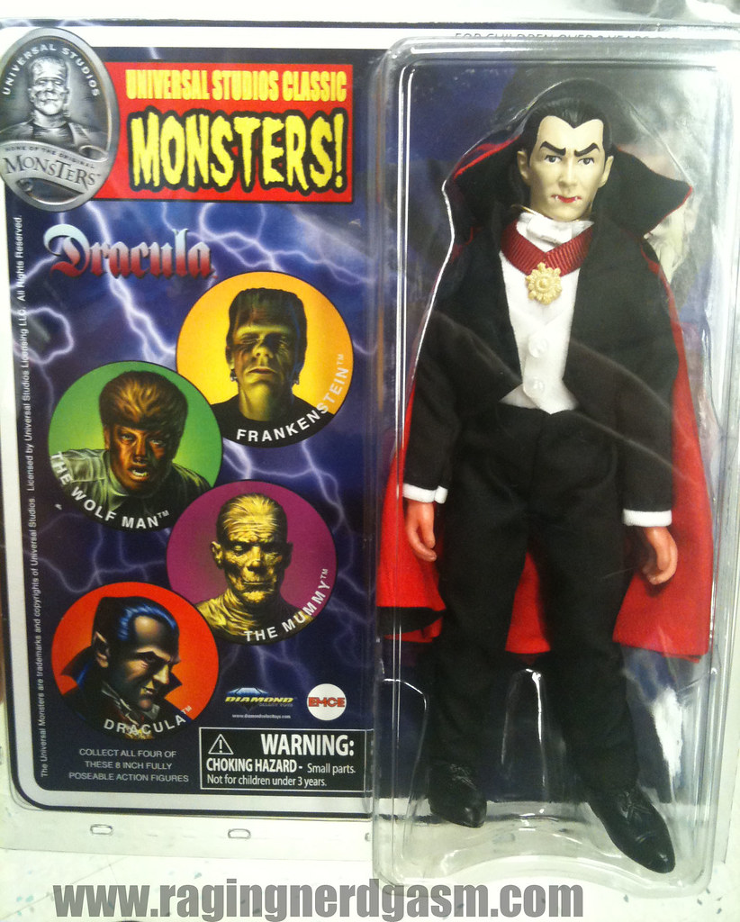 Universal Studios Classic Monsters by Diamond Dracula 002