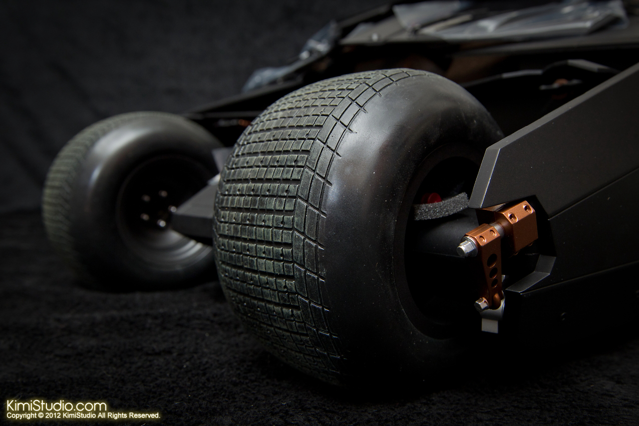 2012.09.22 MMS69 Hot Toys Batmobile-015