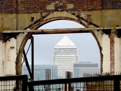 Canary Wharf from Paynes & Borthwick Wharf