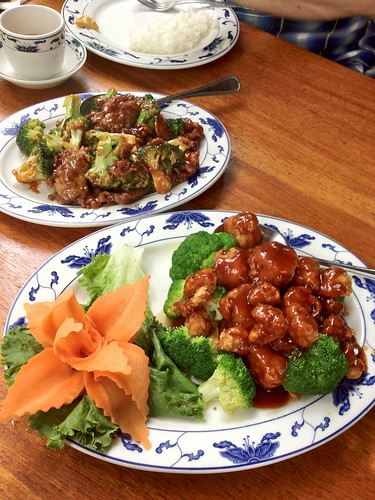 Crispy scallops and beef and broccoli