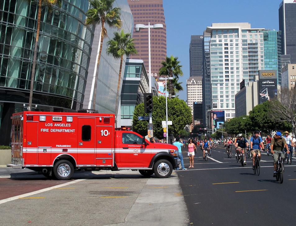 LAFD Dodge Ram Paramedic 10