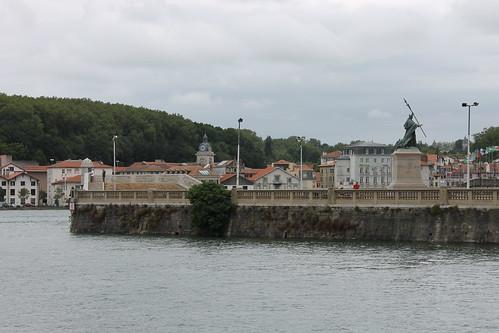2012.08.02.080 - BAYONNE - Pont Mayou - Statue du Cardinal Lavigerie