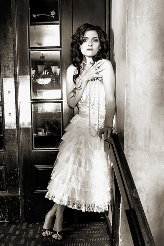 無料写真素材, 人物, 女性, モノクロ, ワンピース・ドレス, カナダ人