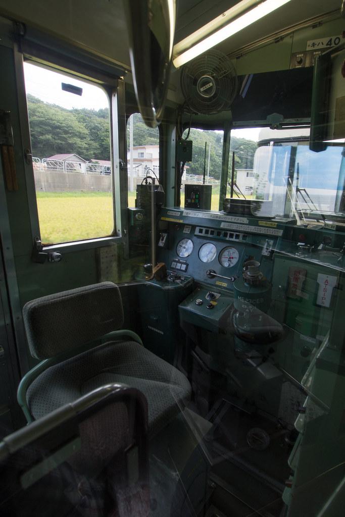 五能線の運転席 2012/08/29 OMD90554