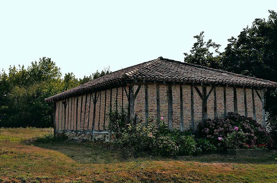 SAUBUSSE-Grange de ferme. 3.+.900