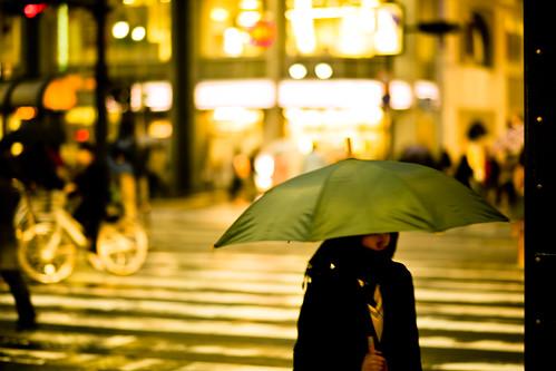 [フリー画像素材] 人物, 女性 - アジア, 傘, 日本人, 街角 ID:201209190800
