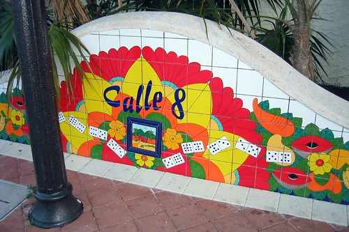 Calle Ocho marker, Little Havana (by: Wally Gobetz, creative commons)