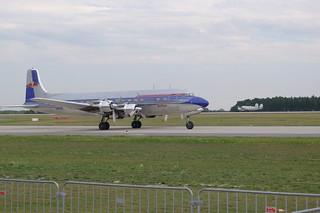 Ausrollen #1: Douglas DC-6B
