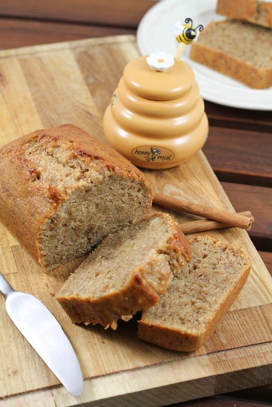 Banana Bread with Cinnamon and Honey1