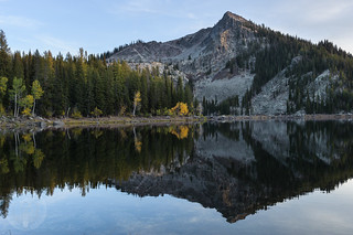 Jughandle Mountain reflected in Louie Lake