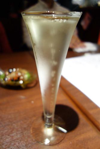 乾杯のシャンパン@俺フレTable Taku