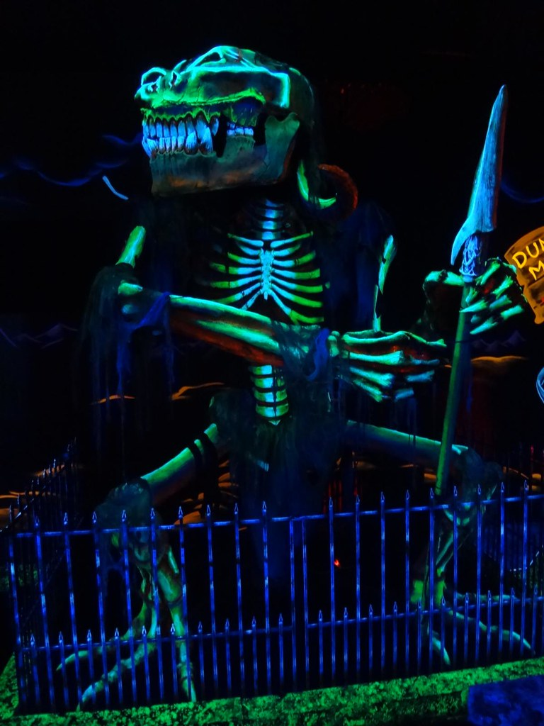 Monster Minigolf skeleton demon