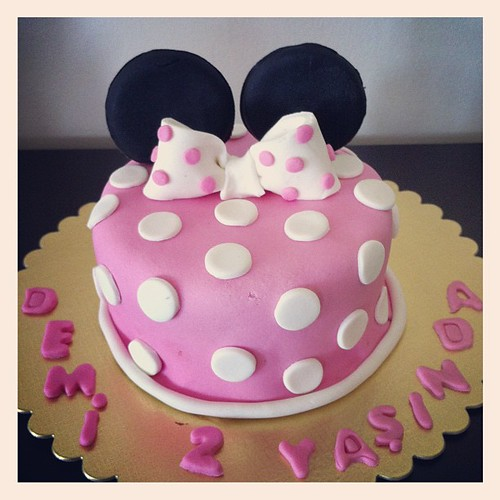 minniemouse birthday cake by L'Atelier De Ronitte by l'atelier de ronitte