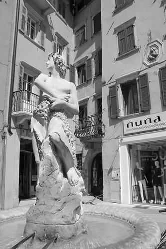 Estatua plaza en Trento
